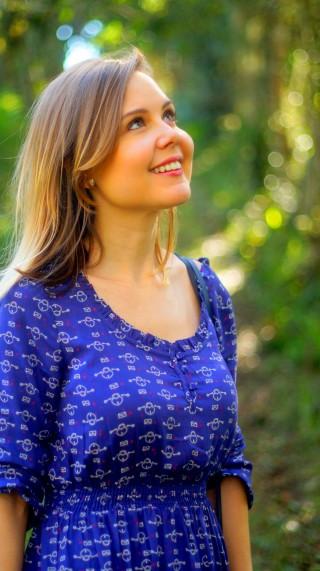 vestido azul estampa cadeado c&a cabelo chanel